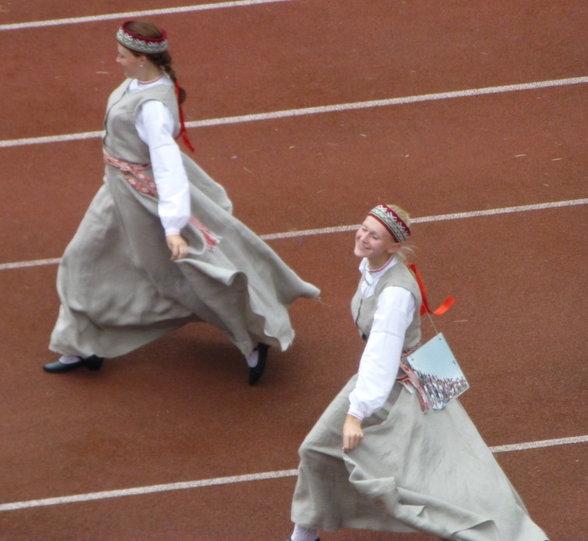 20141027-rsz_4_2_dancers.jpg